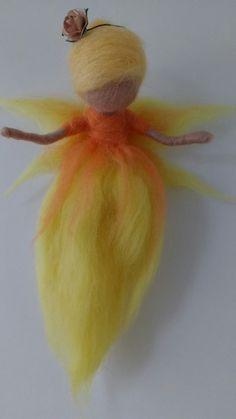 Needle Felted Fairy by Jo Savage Needle Felted Animals, Felt Animals, Needle Felting, Waldorf Crafts, Waldorf Dolls, Wool Dolls, Felt Dolls, Fairy Nursery, Ballerina Ornaments
