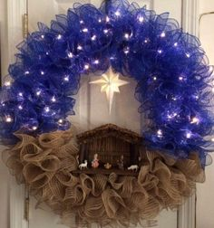Nativity Wreath...these are the BEST Christmas Wreath ideas! Crochet Christmas Wreath, Christmas Wreaths To Make, Noel Christmas, Holiday Wreaths, Christmas Projects, Holiday Crafts, Christmas Decorations, Christmas Ornaments, Xmas