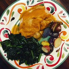 The most delicious dinner ever! @nomnompaleo slow cooker roasted chicken with gravy. Its the best. You should try it. . . . . . . . #mom#mama #momlife#fitmom#postpartumfitness #toddler#toddlermom#breastfeeding #breastfeedingmom#nursingmom #healthcoach#iin#nutritionschool #iinhealthcoach#holisticnutrition #integrativenutrition#healthcoaching #nourishment#eatarainbow#paleo #eatclean#cleaneating#healthy #healthyeating#healthyfood  #dinner
