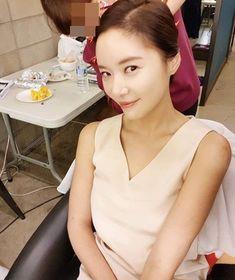 Hwang Jung-eum Shines More Brightly Than Ever Before @ HanCinema :: The Korean Movie and Drama Database Kim Jong Min, Hwang Jung Eum, Korean Wave, Kpop Girls, Girl Group, Drama, Bright, Movie, Actresses