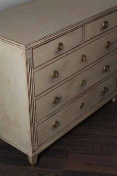 Swedish Gustavian Style Chest of Drawers 2