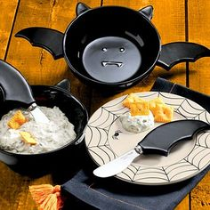 batwingdreams: I won't be able to cook anything EVER AGAIN unless I have this. EDIT: Oh my lord, I found it. Don't everybody buy one until I can: Bat Dip Bowl and Spreaders Kitchen Items, Kitchen Utensils, Kitchen Decor, Kitchen Stuff, Halloween Kitchen, Halloween House, Halloween Dip, Goth Home Decor, Gothic Furniture