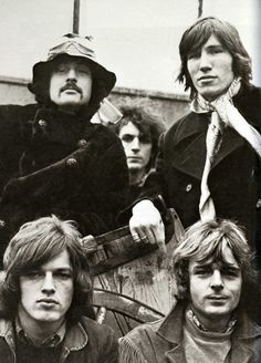 Pink Floyd - Jan 1968.  Notice Syd in the background, almost like an afterthought.