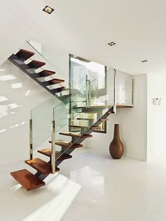 Modern-Staircase-Design-Ideas-Feature-Wooden-Floating-Steps-And-Also-Glass-Railing : Home Design Glass Stairs, Glass Railing, Floating Stairs, Glass Balustrade, Interior Stairs, Interior Architecture, Interior And Exterior, Interior Design, Staircase Architecture