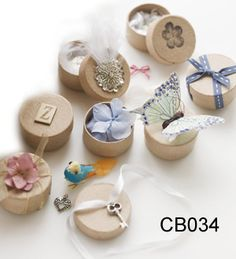 Small Natural Round Hat Boxes with Ribbons