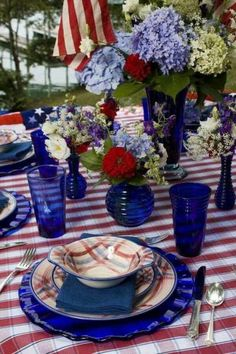of July - Memorial Day - Veteran's Day - Labor Day Fourth Of July Decor, 4th Of July Celebration, 4th Of July Decorations, 4th Of July Party, July 4th, Americana Decorations, Birthday Decorations, Dresser La Table, Blue Table Settings