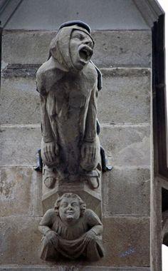 Résultats Google Recherche d'images correspondant à http://perlbal.hi-pi.com/blog-images/171665/gd/1237228446/Gargouille-cite-de-Carcassonne.jpg