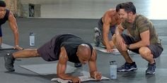 10 Ab Exercises to Get a Shredded Six Pack men and woman high low plank jack 22 minute hard corps tony horton