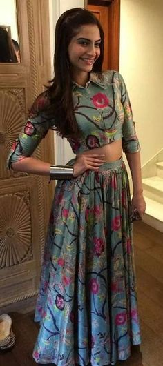Sonam kapoor in payal singhal ( bahara skirt set) LMF 2014