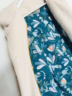 Manteau veste Magnésium de Ivanne S ... ou la cousette qui commençait bien... | La couseuse de trucs Magnesium, Floral Tie, Couture, Blog, Fashion, Vest Coat, Stuff Stuff, Moda, Fashion Styles