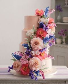 Edible Floral Design Wedding Cake