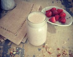 18 Natural High Protein Smoothies #vegetarian #smoothie #protein | hurrythefoodup.com