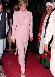 Lahore, Pakistan in 1997 visiting Lady Annabel Goldsmith and her daughter, Jemima Khan who at the time was married to international cricketer Imran Khan.