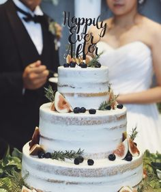 Lydia Lee, Wedding Cupcakes, Nye, Cake Decorating, Dream Wedding, Desserts, Instagram, Food, Wedding Pie Table