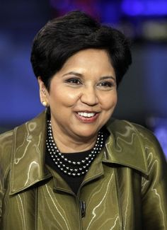PepsiCo chief executive Indra Nooyi has an infectious and take-charge confidence that automatically lends her authority. Indra Nooyi, Executive Fashion, Wayne Dyer, Great Women, Dress For Success, Work Fashion, Marital Status, Purpose, Author