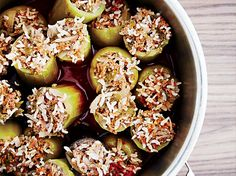 green peppers These classic Greek stuffed vegetables from chef Scott Conant are filled with ground beef and rice seasoned with onion, tomato, parsley and thyme. Slideshow: More Bell Pepp Healthy Ground Beef, Ground Beef Recipes, Green Pepper Recipes, Wine Recipes, Cooking Recipes, Cooking Rice, Tamarind Chutney, Fried Shallots, Beef And Rice