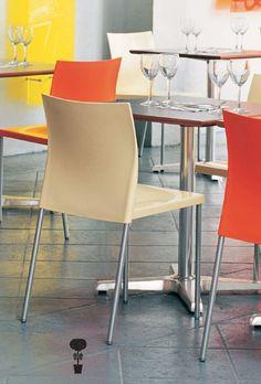 Janus et Cie – Bikini Stack Chair