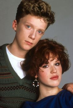 Anthony Michael Hall Molly Ringwald, Sixteen candles directed by John Hughes Anthony Michael Hall, Sixteen Candles, Molly Ringwald, Image Film, Teen Movies, Indie Movies, Star Wars, The Breakfast Club, Classic Movies
