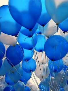 Different Shades of Blue and White Balloons Im Blue, Deep Blue, Blue And White, Black, Bleu Turquoise, Cobalt Blue, Cerulean, Azul Pantone, Azul Indigo