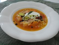 Steirische Krautsuppe Sauerkraut, Thai Red Curry, Low Carb, Soup, Ethnic Recipes, Carrots, Credenzas, Browning, Cooking Recipes