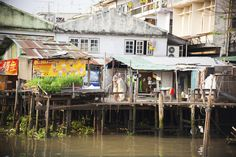 The slums of the river Chao Phraya, Bangkok, Thailand