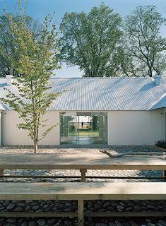 Baron House by John Pawson Chinese Architecture, Modern Architecture House, Futuristic Architecture, Architecture Details, John Pawson, Villa, Architectural Photographers, Zaha Hadid Architects, Modern Barn