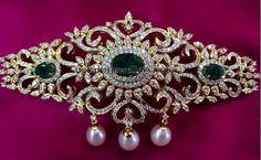 Jewellery Designs: Diamond Choker Cum Huge Armband