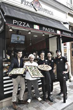 Véritable institution en Italie depuis sa création à Rome il y a une vingtaine d'années, Pizza Rustica est le pape de la pizza à la coupe ! Précurseur dans le domaine, l'enseigne propose dans ces deux restaurants du quartier de Saint Michel l'authentique pizza à l'Italienne, faite à partir des meilleurs produits frais, bref du haut de gamme à portée de bouche.