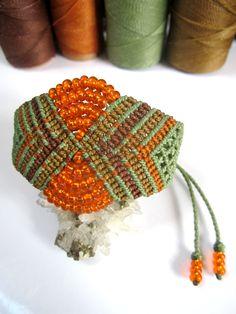 Bracelets For Ladies : Green&Orange Wristband Bracelet with Glass Beads Macrame Handmade Macrame Dress, Macrame Bag, Macrame Jewelry, Macrame Bracelets, Handmade Bracelets, Macrame Thread, Diy Fashion Projects, Card Weaving, Micro Macramé