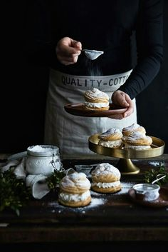 25 ideas for baking photography dark Dark Food Photography, Cupcakes, Food Trucks, Food Pictures, Food Styling, Food Art, Food Inspiration, Sweet Recipes, Food And Drink