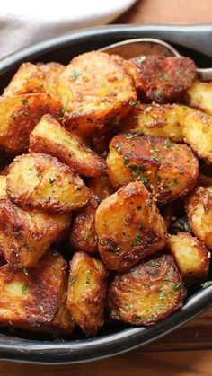 The Best Crispy Roast Potatoes EverYou can find Potato recipes and more on our website.The Best Crispy Roast Potatoes Ever Brunch Recipes, Healthy Dinner Recipes, Cooking Recipes, Roast Recipes, Healthy Food, Best Healthy Recipes, Cooking Corn, Dessert Healthy, Cooking Fish