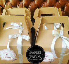 Gable box for wedding souvenir. Lovely !