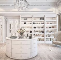 New luxury closet designs dressing rooms ideas Best Home Interior Design, Dream Home Design, Luxury Homes Interior, Luxury Home Decor, Walk In Closet Design, Closet Designs, Dream Closets, Dream Rooms, Open Closets