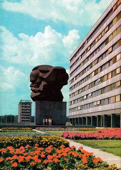 Rda, Arch Building, Back In The Ussr, Propaganda Art, Socialist Realism, Soviet Art, East Germany, Berlin Wall, World Trade Center