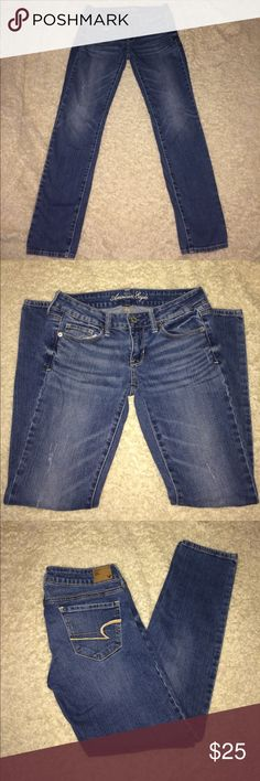American Eagle Skinny Jeans Size 4 Short American Eagle Skinny Jeans Size 4 Short ....smoke free home if you have any questions let me know American Eagle Outfitters Jeans Skinny