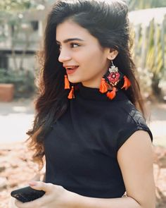 Rule Smile to the fullest Cute Girl Pic, Stylish Girl Pic, Cute Girls, Chanya Choli, Stylish Dpz, Smart Girls, Girl Photography Poses, Girls Dpz, Instagram Girls