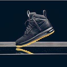 Nike Lunar Force 1 Duckboot, I'd wear these Nike Duck Boots, Nike Boots Mens, Nike Air Shoes, Sneakers Nike, Nike Trainers, Nike Lunar, Converse, Sneaker Boots, Sneakers Fashion