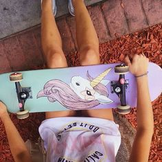 Imagen de unicorn, skate, and skateboard