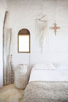 beautiful bedroom styling.. For similar bedding try: http://www.naturalbedcompany.co.uk/product-category/bedding/natural-cotton-bedding/
