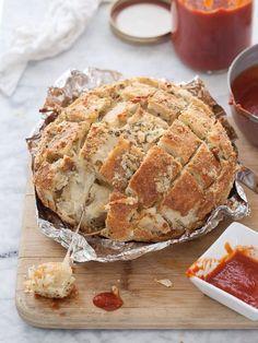 mozzarella pizza bread