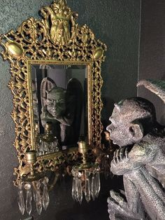 If you want to buy or collect vintage costume jewelry, learn what to look for and where to look. There is something for who is interested in vintage jewelry. Gothic Interior, Antique Interior, Antique Decor, Antique Jewelry, Memento Mori, Witch Room, Art Nouveau, Dream Furniture, Witch Decor
