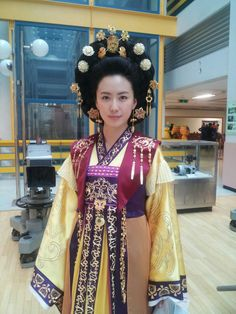 Korean Traditional Dress, Traditional Dresses, Historical Hairstyles, Lee Young, Korean Wave, Kdrama, Sari, Costumes, Princess