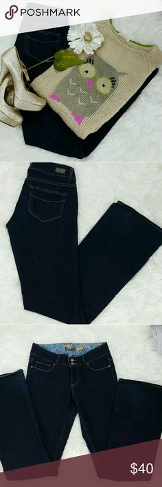 """💞SALE💞 Paige Hidden Hills Premium Denim Jeans Awesome  Paige Hidden Hills Premium Denim Jeans 33"""" Inseam 9"""" Rise 14 1/2"""" across the waist laying flat. 73% Cotton 27% Elastane Great Condition Paige Jeans Jeans"""