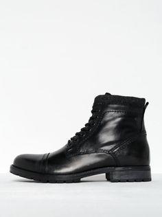 Černé kožené kotníkové boty se zipem Jack   Jones Marly 8558641d193