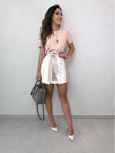 Discover recipes, home ideas, style inspiration and other ideas to try. Mode Outfits, Outfits For Teens, Trendy Outfits, Fashion Outfits, Womens Fashion, Fashion Trends, Lawyer Outfit, Look Fashion, Fashion Design
