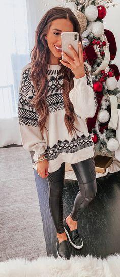 Fall winter outfits, winter wear, stylish winter outfits, autumn winter f. Stylish Winter Outfits, Fall Winter Outfits, Autumn Winter Fashion, Casual Outfits, Tumblr Outfits, Mode Outfits, Pullover Outfit, Winter Stil, Urban Chic