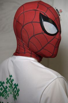 Spider Man PS mask Become the Friendly Neighborhood Spider-Man with this majestic mask We have worked hard to bring you this amazing collector piece Perfect for cosplay or to proudly Superhero Costumes Kids, Spiderman Costume, Man Movies, Comic Movies, Buy Ps4, The Amazing Spiderman 2, Cool Gadgets To Buy, Male Cosplay, Super Hero Costumes