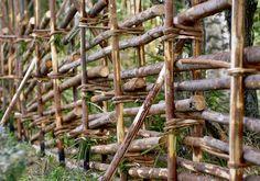 Rakenna riukuaita | Meillä kotona Garden Nook, Farm Gardens, Dream Garden, Container Gardening, Wood, Green, Plants, Inspiration, Fences