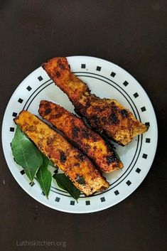 Masala Fish Recipes, Salmon Recipes, Indian Food Recipes, Ethnic Recipes, Easy Recipes, Salmon Curry, Fish Curry, Fried Chicken Breast, Fish And Chicken