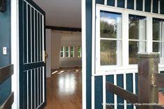 Teil des Hofensembles in Isernhagen: Zugang Einliegerwohnung Windows, Detached House, Real Estates, Garden Cottage, Homes, Ramen, Window